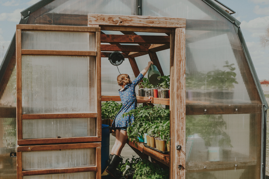 Earth Day 2018 | A Little Lady & Her Greenhouse + Photography Tips for Mid-Day Shoots!